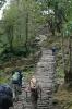 viele Stufen führen zum Annapurna Basislager