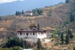 Blick auf den Dzong in Paro